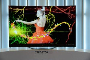 620x412xLG_4K_OLED_TV_00-1024x681.jpg.pagespeed.ic.usV-x9196J